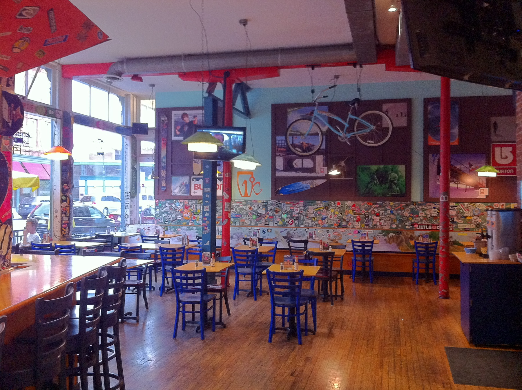 Image gallery wahoo 39 s restaurant for California fish grill woodland hills